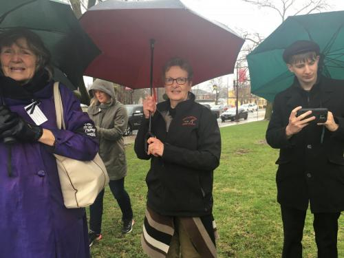 Heather, Marion & Morgan Carl at day of mourning